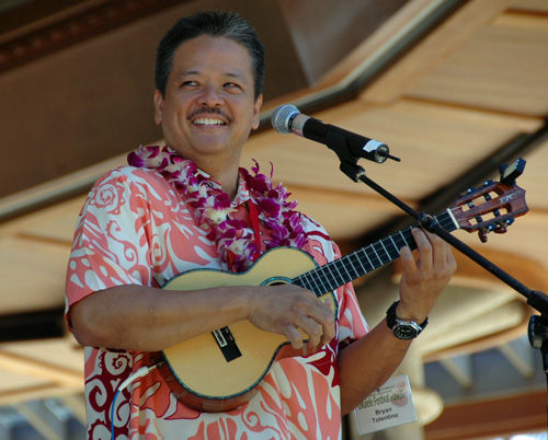 Picture of Bryan Tolentino at the 2008 Hawaii Ukulele Festival