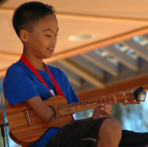 Picture of Nick Acosta at the 2008 Hawaii Ukulele Festival